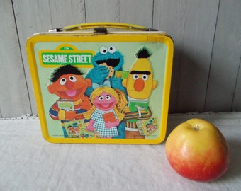 Vintage Aladdin Sesame Street Metal Lunch Box 1979