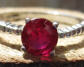 Vintage Sterling Silver Women's Garnet Gemstone Ring Size 10 1/2 Ladies Simple Elegant Ring