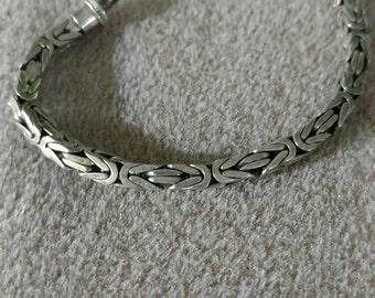 FREE SHIPPING, Sterling Silver Bracelet, 80's Vintage, Byzantine, Tight Links, Box Pattern, Ladies,  Patina
