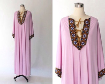 SALE // 1960s Vanity Fair Embroidered Kaftan Lounge Dress // 60s Vintage Long Pink Gown // Medium