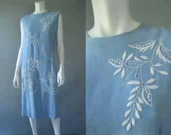 Plus Size 60s Dress - Blue Linen Embroidered Shift- Vintage 1960s