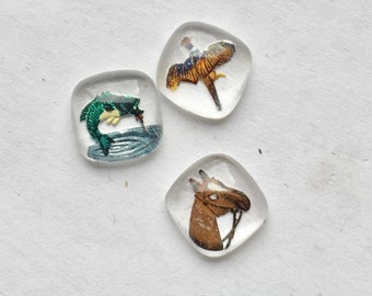 BWB (1) Interesting Petit Treasures  Micro Painted Animal Cabochon Vintage Glass 8mm Your Choice bird, fish, horse   MUST Cee!!