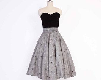 Vintage 50s CIRCLE SKIRT / 1950s Black & White Atomic Starburst Metallic Print Full Skirt S