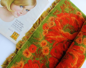 Vintage Bath Towel Fieldcrest Orange And Avocado on Green Floral Fringed Large Very Thick All Cotton 26 X 49 Inches