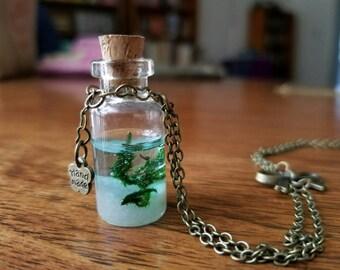 Glass pendant seascape necklace
