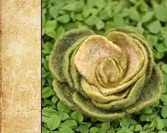 """Felted Flower Brooch DIY Kit No.6 / """"Rabbit's dream"""""""