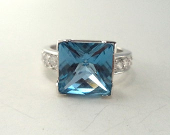 Vintage Sterling Silver 925 Synthetic Light Blue Topaz CZ  Ring
