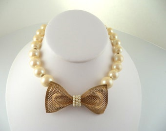 Vintage Signed Miriam Haskell Necklace Graduating Pearls Goldtone Mesh Bow