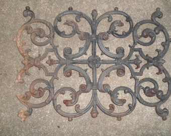 Cast iron Griffin panel fire grate
