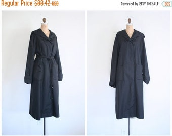 SALE / 60s hooded & belted long black ladies cocktail coat - formal party jacket - topper / vintage 1960s - frog closures / 50s - mid centur