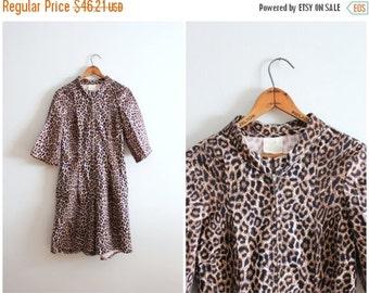 FALL SALE / vintage 50s leopard romper - cotton leopard print shortall / 1950s pin up romper - 60s loungewear / 50s animal print shorts - zi