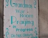 Praying Warrior, Praying Grandma, Moving Mountains Wall Decor, War Room Decor, Prayer Room Decor, Christian Decor, Church Decor, Home Decor