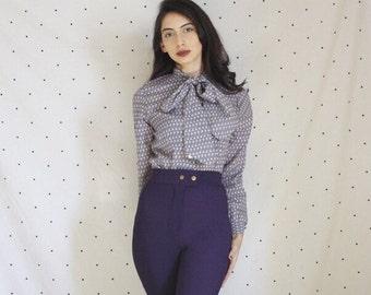 Vintage paisley bow button down shirt 1960s / 70s long sleeve blue paisley blouse/ Medium M