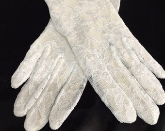 9 inch Short lace gloves in a variety of colors
