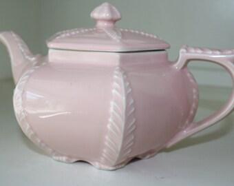 Vintage Pink 1940's Hall Plume teapot