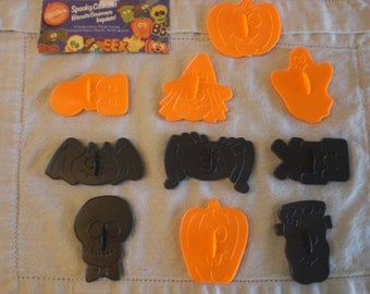 10 Kid Friendly Halloween Cookie Cutters with cookie recipe