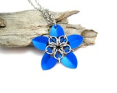Royal Blue Flower Necklace - Pendant Necklace - Chainmaille Pendant - Scale Maille Pendants - Chain mail - Chainmail Jewellery - Chainmail