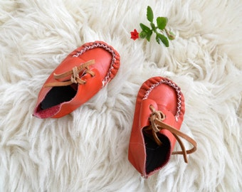 Vintage Baby Booties Toddler Baby Girls Red Leather 70s Soviet Shoes