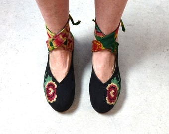 Vintage Chinese embroidered flower fabric boho hippie shoes sz 38