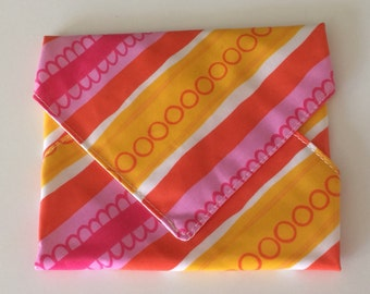 Dishwasher-safe snack sandwich wrap strawberry orange