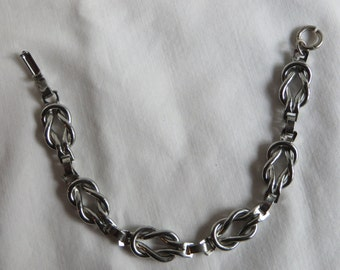 """6 3/4"""" Vintage Reef Knot Bracelet"""