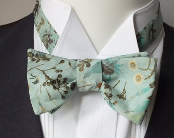 Bowtie, botanical fabric - green bow tie, size adjusters - just self tie bow ties for men, handmade by Bagzetoile - ships worldwide