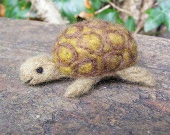 Tortoise - Needlefelted little tortoise - felted in merino wool