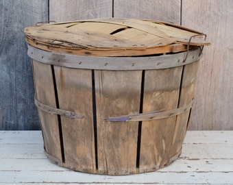 Bushel Basket with Lid Vintage Apple Orchard Split Wood Farm Produce Rustic Primitive Weathered Storage Decor