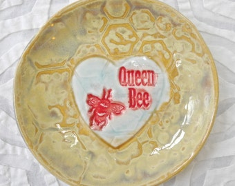 Bee ring bowl, Bee Ring Holder, Valentine Day Gift, Honeycomb, Save the Bees, hostess gift, Spoon Rest, bumble bee, ring dish, teabag holder