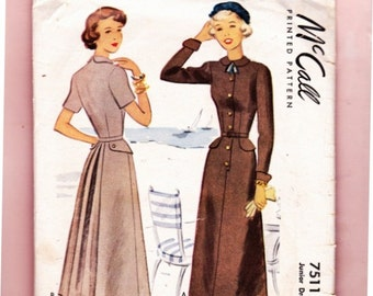 McCall 7511 Vintage 1940s Dresses Sleeve variations Size 11 Bust 29""