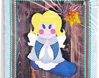 Little Angel Christmas Stocking By Aunt Martha Machine Or Hand Zigzag Pattern - 4 oz