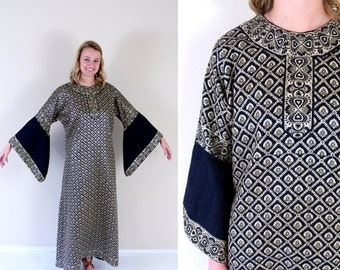 vtg 70s black GOLD METALLIC folk print CAFTAN os angel sleeve maxi dress kimono bell silver avant garde hippie boho