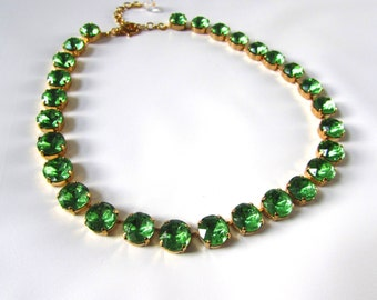 Light Green Rhinestone Necklace, Green Collet Necklace, Peridot Green Jewelry, Georgian Paste Regency Jewelry, Jane Austen, Anna Wintour