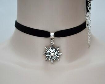Curly SUN CHARM 10mm Black Velvet Ribbon Choker - pa.. or choose another colour velvet, handmade to order :)