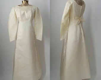Vintage 1960s Wedding Gown Dress