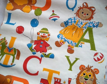 Kids wallpaper/ vintage juvenile wallpaper pieces/ alphabet with animals children's wall paper rolls/ 70s or 80s style wallpaper/ 10ft total