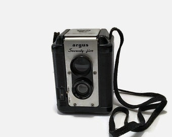 Vintage Camera With Case, Cameras, Vintage Cameras, Argus Seventy-Five Vintage Camera, 1950s Cameras, Gifts For Dads, Vintage For Men