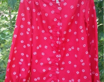 Pretty little vintage Red Blouse With White Roses