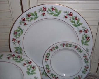 Gibson discontinued Holly Christmas Charm dinner plates, small salad dessert plates, 2 of each, more available..Reduced..WAS 14.99