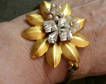 RECYCLED JEWELRY--Stretchy Rhinestone  Bracelet