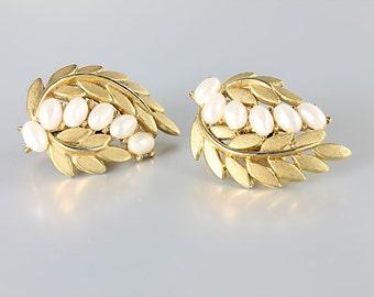 Wedding Crown Trifari Pearl Earrings, Gold Leaf vintage jewelry