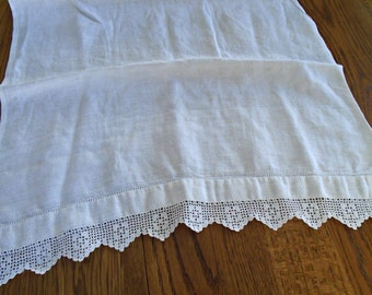 White Lace Dish Towel / Vintage Cotton Dish Towel / Victorian / Kitchen Towel / French Country Romantic / Lace hand Towel /
