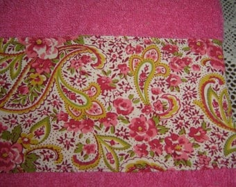 Hot pink hand/dish towel w/paisley and pink flowers, summer decor, cottage chic, country, cotton terry, hostess gift, under 10