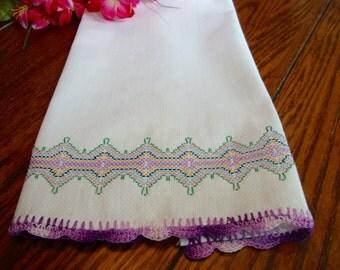 White Linen Towel Purple Crochet Trim Kitchen Towel Tea Towel Vintage Linens