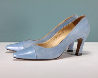 Size 7 BLUE SUEDE SHOES Vintage Ladies Women's Shoes Pumps Toe Cap Heels Italian Leather Light Pastel Wedding Winter Sesto Meucci Mod Retro