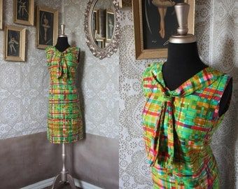 Vintage 1960's Green and Pink Mini Dress S/M
