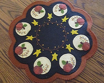 Harvest Moon Penny Wool Candle Mat