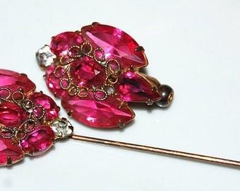 1950s hot pink rhinestone stick pin