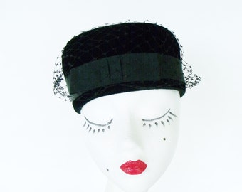 Black Pillbox Hat Velvet / Velour with Netting Vintage Ladies 1950s