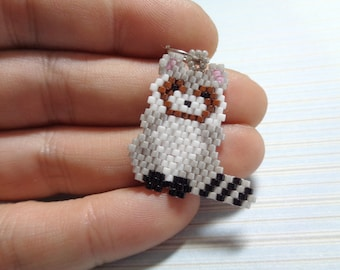 Raccoon charm, beaded raccoon, raccoon keychain, beaded keychain, beaded charm, brick stitch, raccoon, zipper charm, handmade charm, peyote